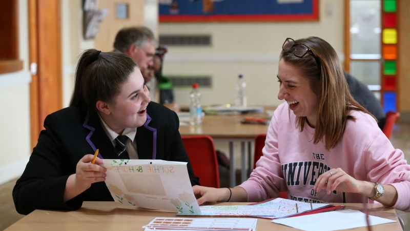 A school student with her University of Nottingham student mentor